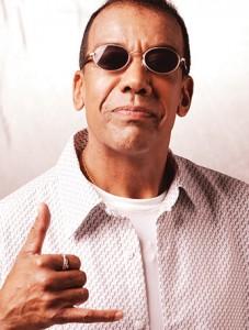 Jorge Ben Jor leva seu som ao grande evento sertanejo